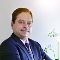 Dr Sanjay Saraf