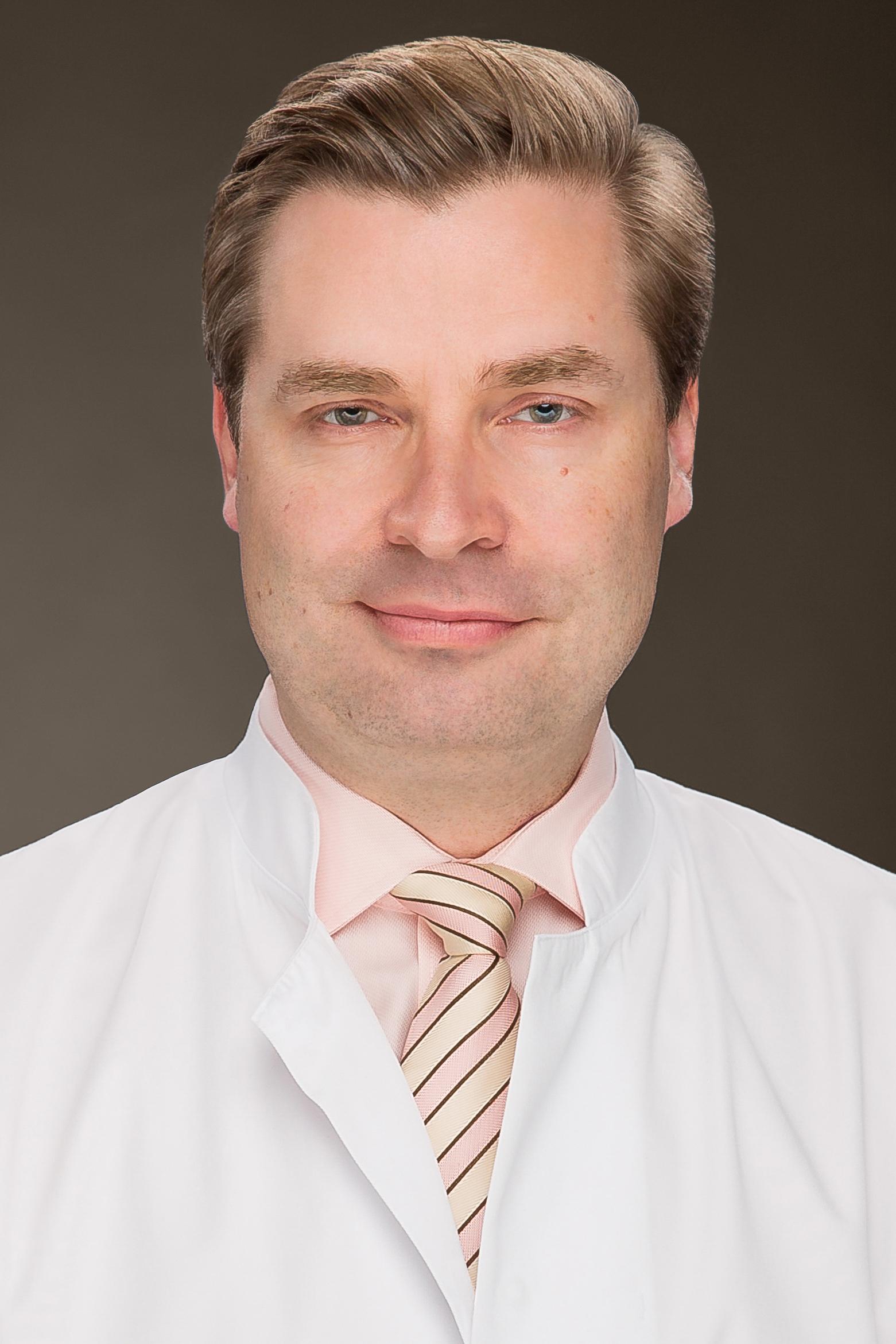 Dr. Clemens Esche